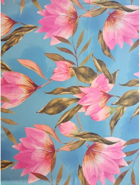 Satén estampado de flores y hojas, fondo azul