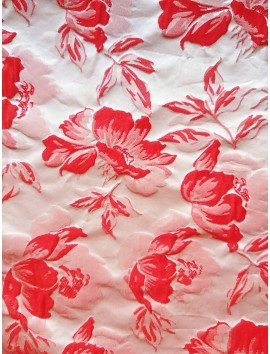 Brocado estampado flores rojas fondo blanco