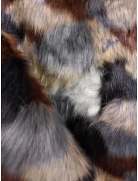 Pelo ecológico marrón, blanco, gris y negro