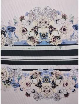 Viscosa estampado flores azules y blancas