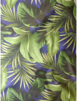 Impermeable estampado hojas