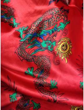 Raso rojo con dragones