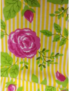 Punto con rayas amarillas y flores