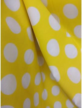 Lunares blancos, fondo amarillo