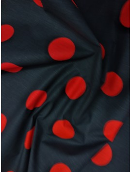 Lunares grandes rojos, fondo negro