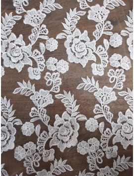 Tul Bordado flores blancas