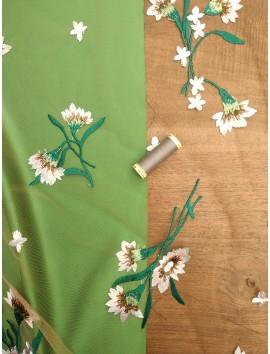 Tul verde con  Bordado floral