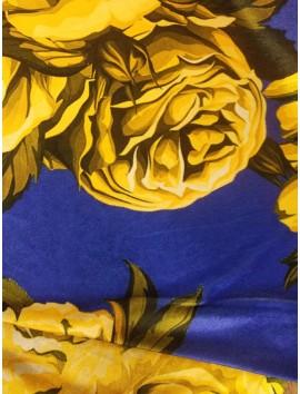 Terciopelo estampado de rosas