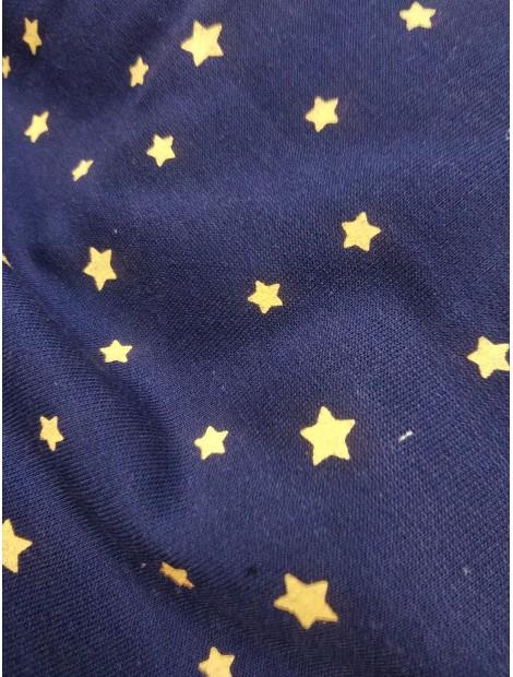 Punto de sudadera azul con estrellas doradas