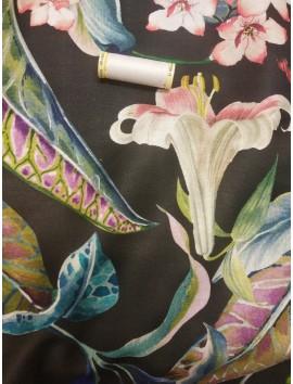 Tela Loneta algodón digital flores fondo negro