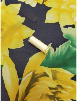 Tela de Gasa azul marino flores amarillas