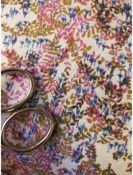 Tela de loneta floral pequeño azul y rosa