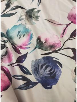 Tela satén estampado flores rosas y azules