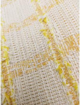 Tela tipo chanel, blanco con cuadro hilo amarillo
