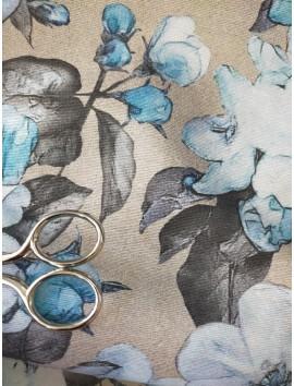 Tela de loneta flores azules