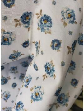 Tela de loneta con flores azules